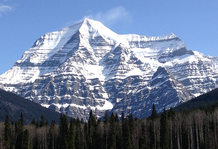 photo of Mount Robson, British Columbia, Canada